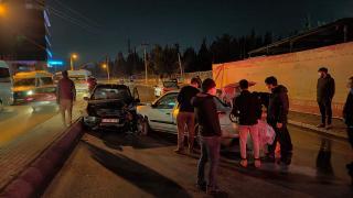 Kocaeli'de trafik kazası: 2 kişi yaralandı