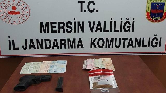 Mersinde uyuşturucu kullanırken yakalanan 3 kişiye 10 bin lira ceza