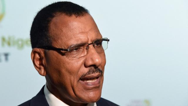 Nijerin yeni Cumhurbaşkanı Mohamed Bazoum oldu