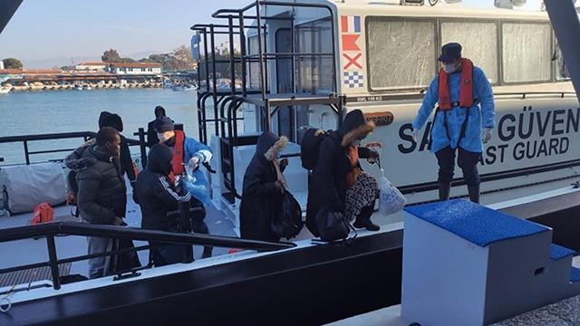 Yunanistanın ölüme terk ettiği 33 sığınmacı kurtarıldı