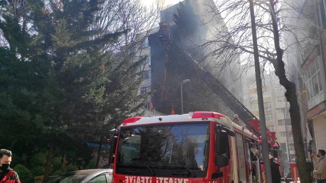 Şişlide 8 katlı binada yangın