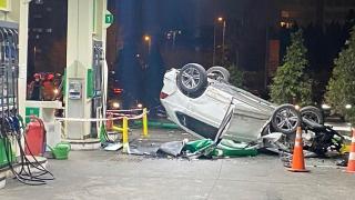 Takla atan araç akaryakıt istasyonuna girdi: 4 yaralı