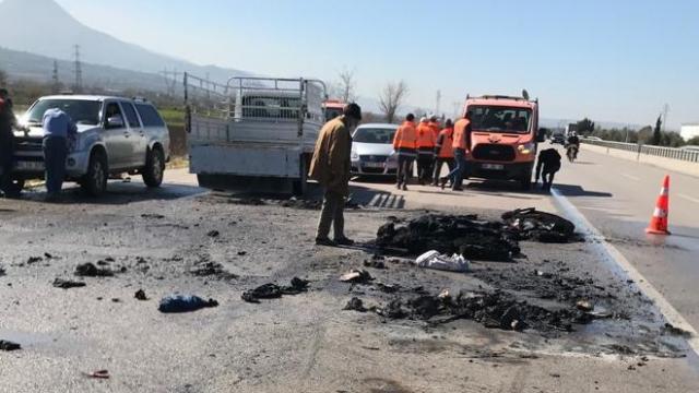 Osmaniyede seyir halindeki kamyonet yandı