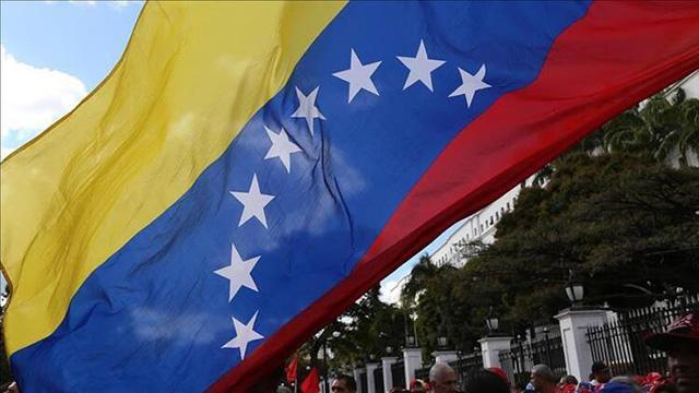 Venezuela hükumeti ile muhalefet arasındaki görüşmeler ertelendi