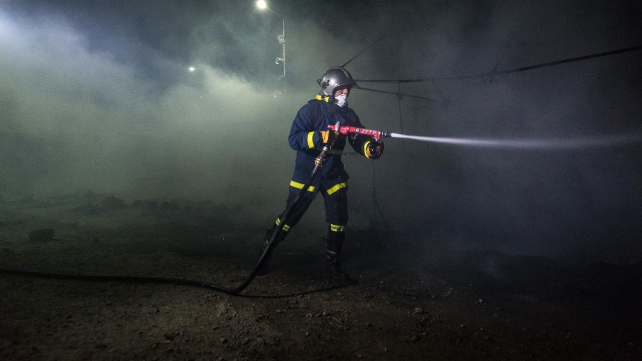 Yunanistan'daki kampta yangın: Bir çocuk öldü