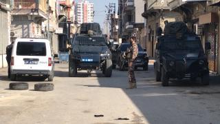 Adana'da silahlı kavgada bir kişiyi yaralayan zanlı kaçtı