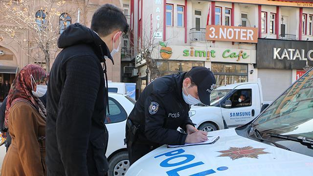 Kırıkkalede kısıtlamaya uymayan 12 kişiye 37 bin lira ceza