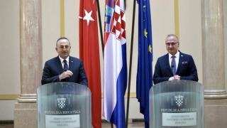 Bakan Çavuşoğlu, Hırvat mevkidaşı ile görüştü
