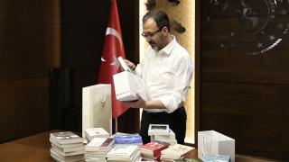 Bakan Kasapoğlu'ndan köy okullarına kitap desteği