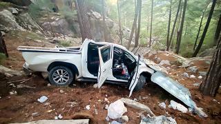 Antalya'da kamyonet uçuruma yuvarlandı: 5 yaralı