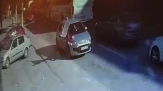 Bursa'da otomobilin çarptığı kadın metrelerce sürüklendi