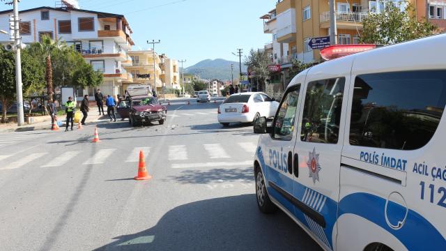 Antalyada trafik kazası: 2 yaralı