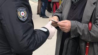 Kocaeli'nde tedbirlere uymayan 657 kişiye para cezası