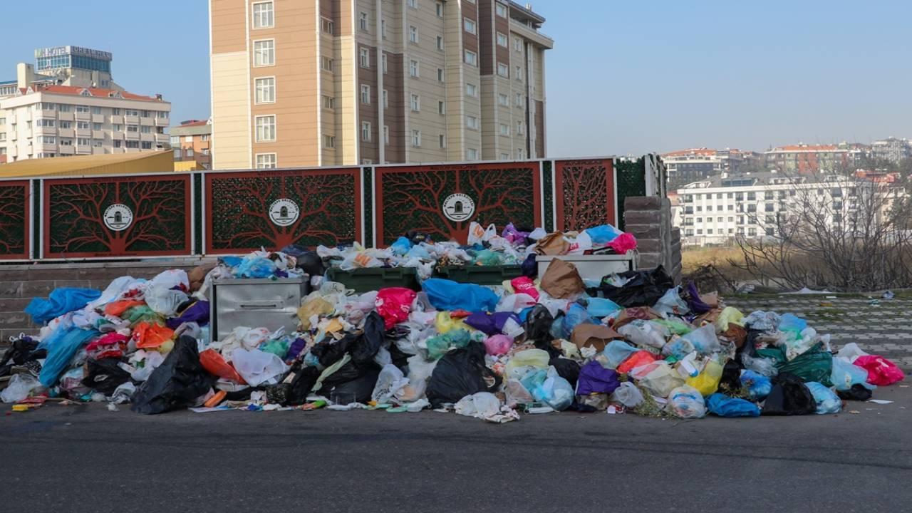 Maltepe'de çöp dağları oluştu