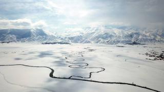 Yüksekova'nın kar altındaki menderesleri