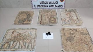 Mersin'de tarihi eser niteliğinde 5 mozaik tablo ele geçirildi