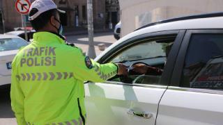 Aksaray'da kısıtlamaya uymayan 24 kişiye para cezası
