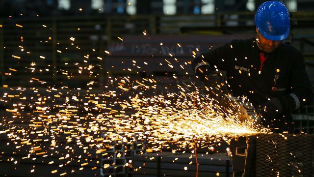 Euro Bölgesinde sanayi üretimi azaldı