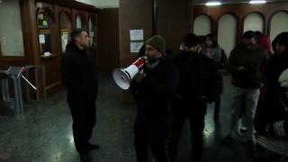 Erivan'da protestocular hükümet binasına girdi