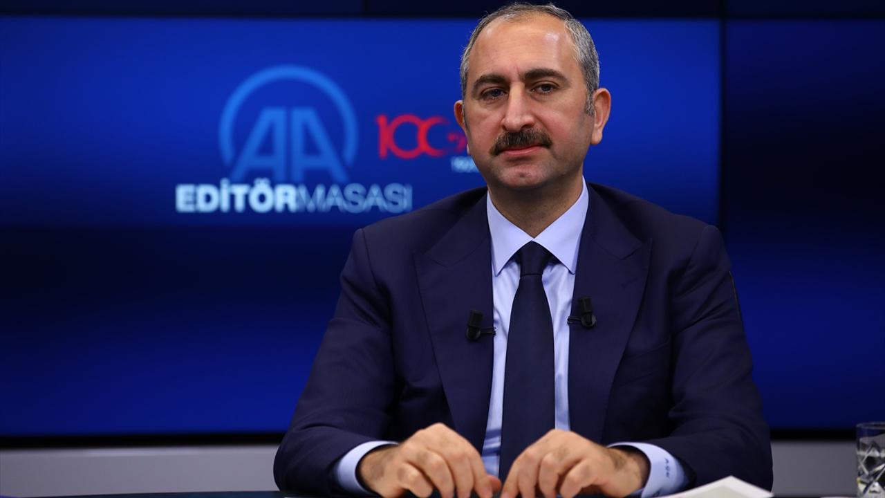 Önerilerinizi getirin, Türkiye bu Anayasa ayıbından kurtulsun