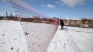 Doğu Anadolu'daki köylüler badmintonla tanıştı