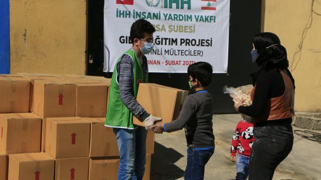 Bursadan Lübnandaki Filistinlilere kumanya yardımı
