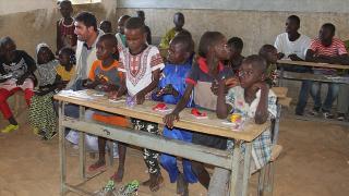 800 milyon çocuk okula dönemedi