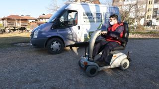 Engelli gencin yüzü akülü araçla güldü