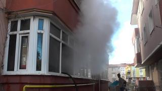 Sakarya'da yangın: Ev kullanılamaz hale geldi