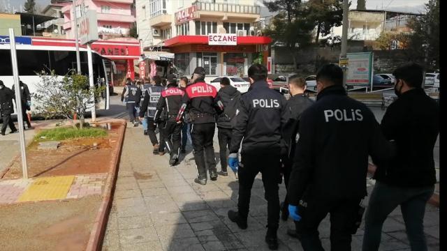 Kahramanmaraşta çeşitli suçlardan aranan 346 kişi yakalandı