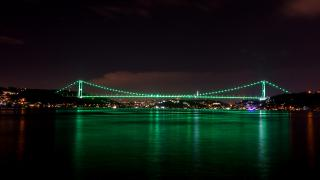 İstanbul'da köprüler yeşile büründü