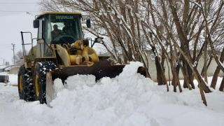 Ağrı'da ulaşıma kapanan 102 köy yolu açıldı