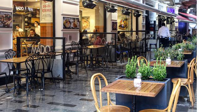 Kafeler ve restoranlar açıldı mı? Alışveriş merkezleri kaça kadar açık?