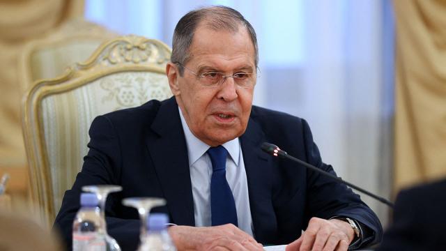 Lavrov: Batının kontrol ettiği uluslararası ödeme sistemlerinden uzaklaşmalıyız