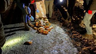 Van'da toprağa gömülü halde 123 kilo eroin ele geçirildi