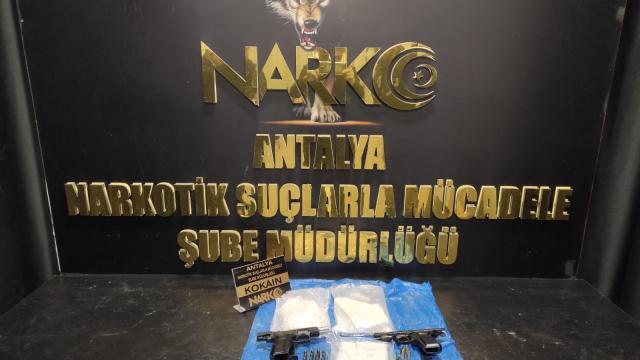 Antalyada uyuşturucu operasyonlarında yakalanan 3 zanlı tutuklandı