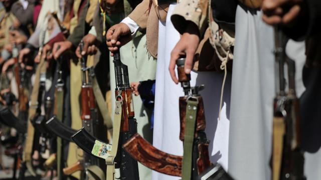 Husiler Suudi Arabistandaki Abha Havalimanını vurduklarını iddia etti