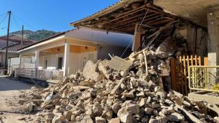 Yunanistan'da art arda depremler