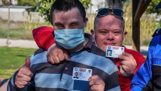 Adana'da engelli çocukların polis kimliği mutluluğu