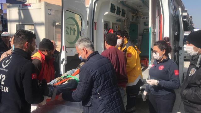 İstanbulda inşaatın ikinci katından düşen işçi yaralandı