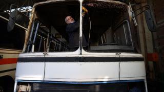 Hurda otobüslere usta ellerden nostaljik dokunuş