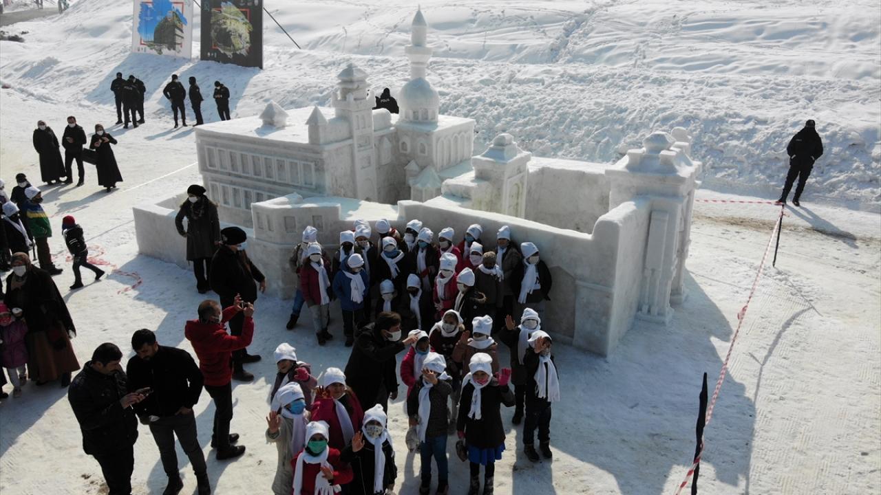 Ağrı'da 1. Kar ve Buz Festivali başladı