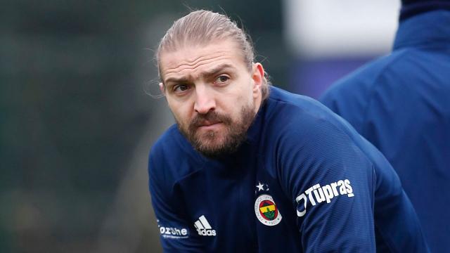 Fenerbahçe'de Caner Erkin belirsizliği sürüyor