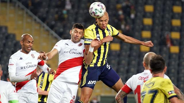 Antalyaspordan Fenerbahçeye çelme