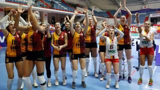 Galatasaray'da 2 kadın voleybolcu koronavirüs yakalandı