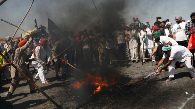 Hindistan'da çiftçi protestoları 100. gününde