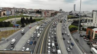 Kısıtlamasız ilk cumartesi: İstanbul'da sahiller ve sokaklar doldu taştı