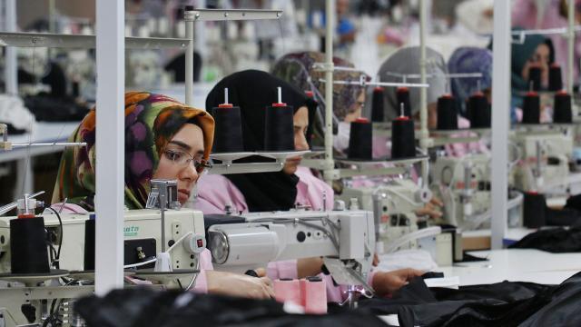 """""""İşte Anne Projesi"""" ile 44 bin kadının iş gücüne katılımı sağlandı"""
