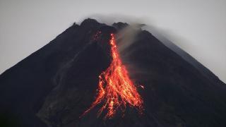 Merapi Yanardağı'nda volkanik hareketlilik