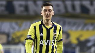 Mesut Özil: Bir süre sahalardan uzak kalacağım